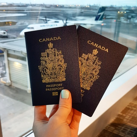 canadian passports at airport