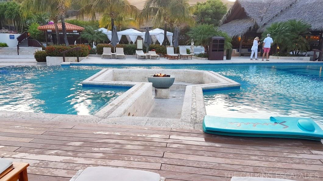 poollivingroom